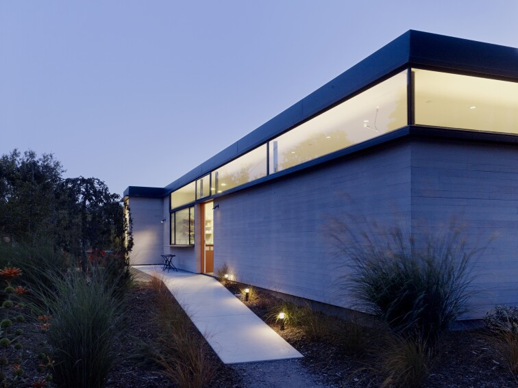 Out of the Box: A Modern Yineyard Home