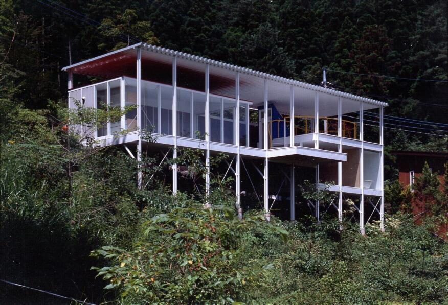 House of Double Roof, Yamanashi, Japan, 1993.