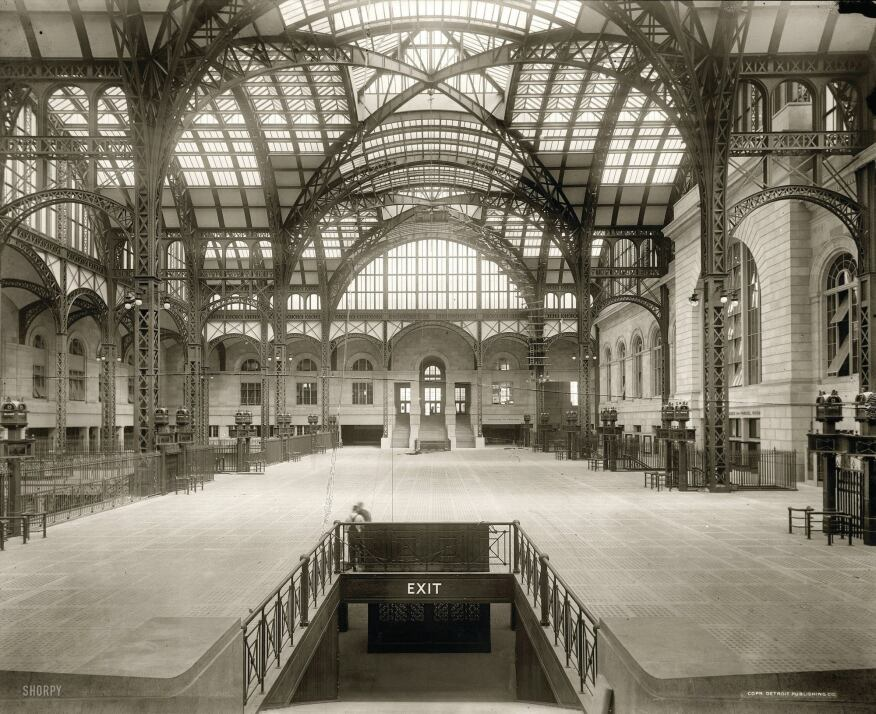 The concourse of the original Penn Station, completed in 1910 and designed by McKim, Mead & White.