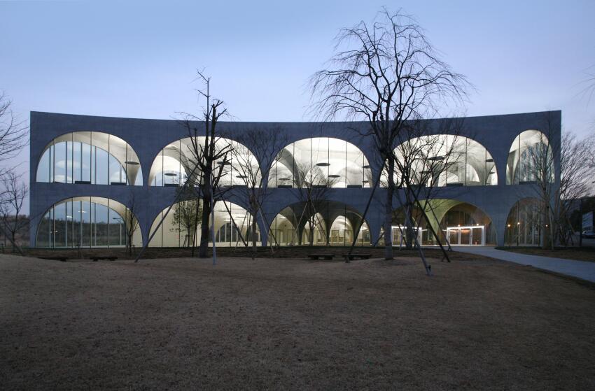 Tama Art University Library, Hachioji-shi, Tokyo, Japan, 2007.