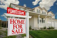 Dogged by Slow Foreclosures, Florida Rebound Lags