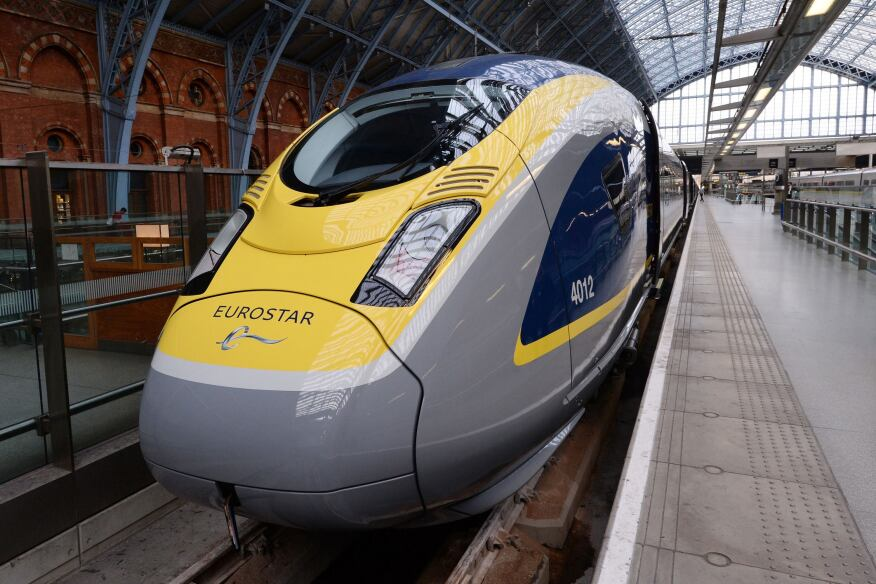 Eurostar launched its new e320 train at London's St Pancras International Station yesterday morning. Built by German firm Siemens and capable of carrying 900 passengers, the e320 train will go into service at the end of 2015. In a £550 million (roughly $861 million) deal, Eurostar originally ordered 10 of the e320s—named for their speed of travel at 320kph (200mph)—but at the launch, the company announced that another seven trains will be joining the fleet next year.