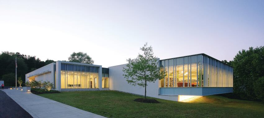 Hockessin Library Cantilevers a Children's Reading Room as a New Addition