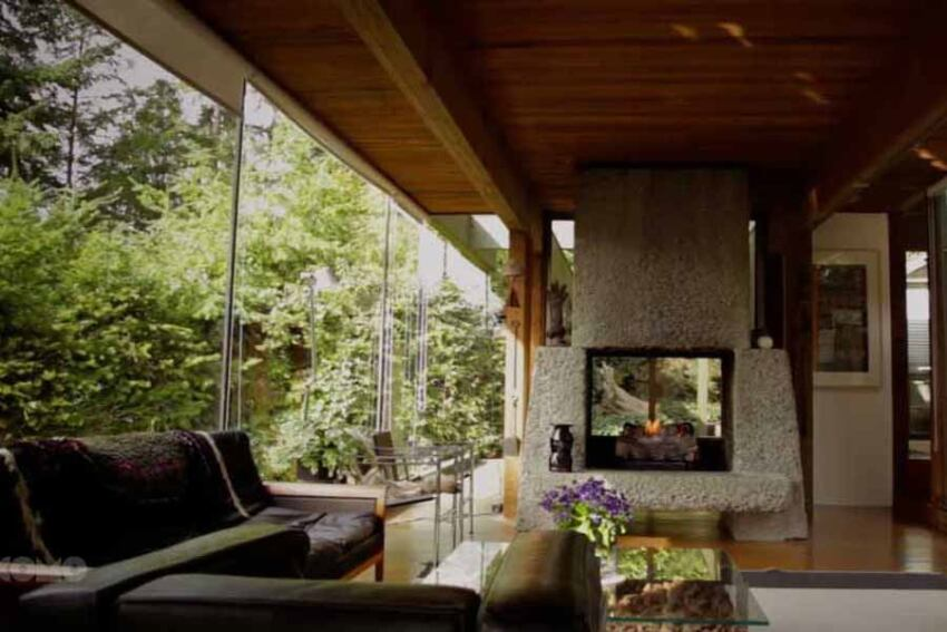 Film on Modernist Coastal Houses