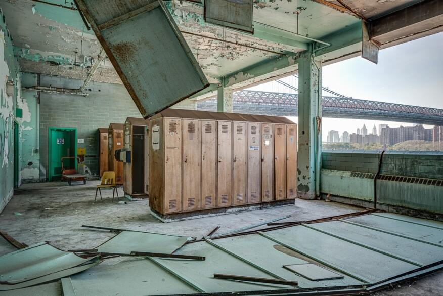 Locker room, Packaging House