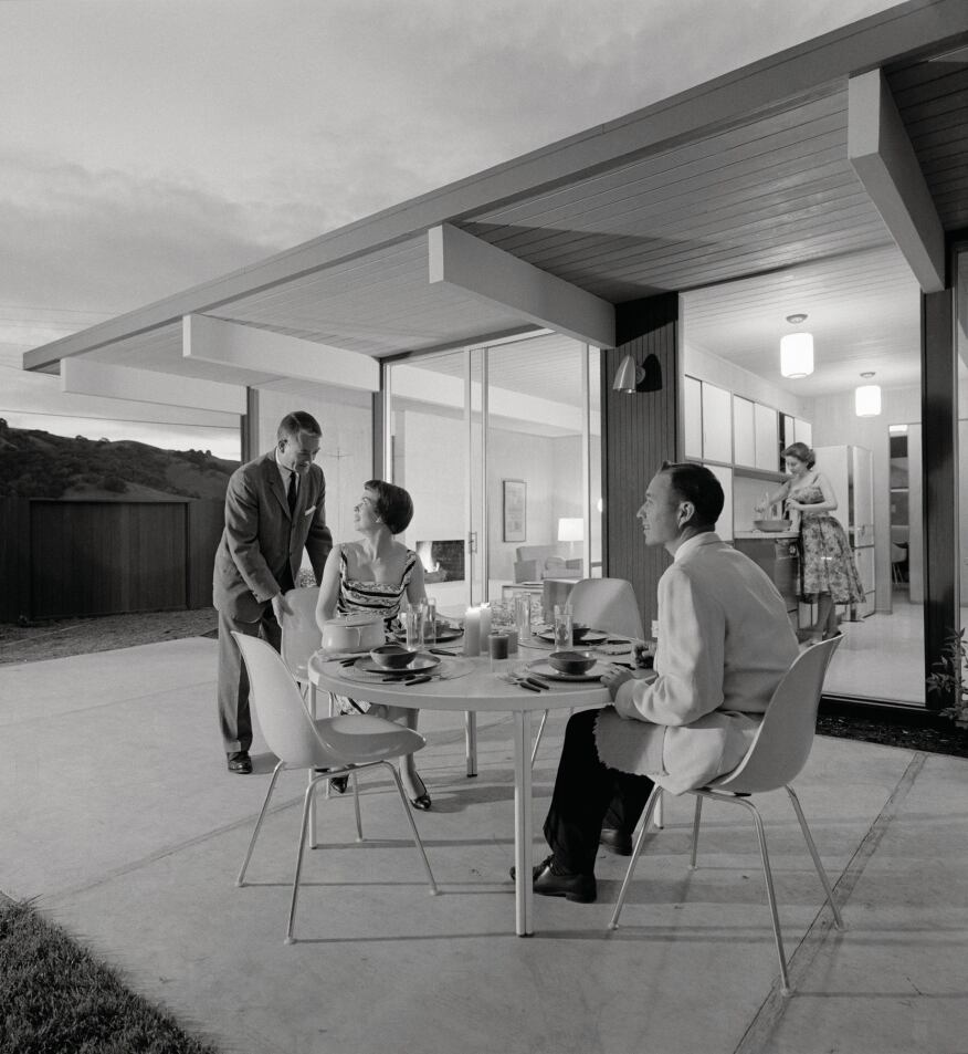 Nightime dining in a Terra Linda, Calif., Eichler, circa 1960.