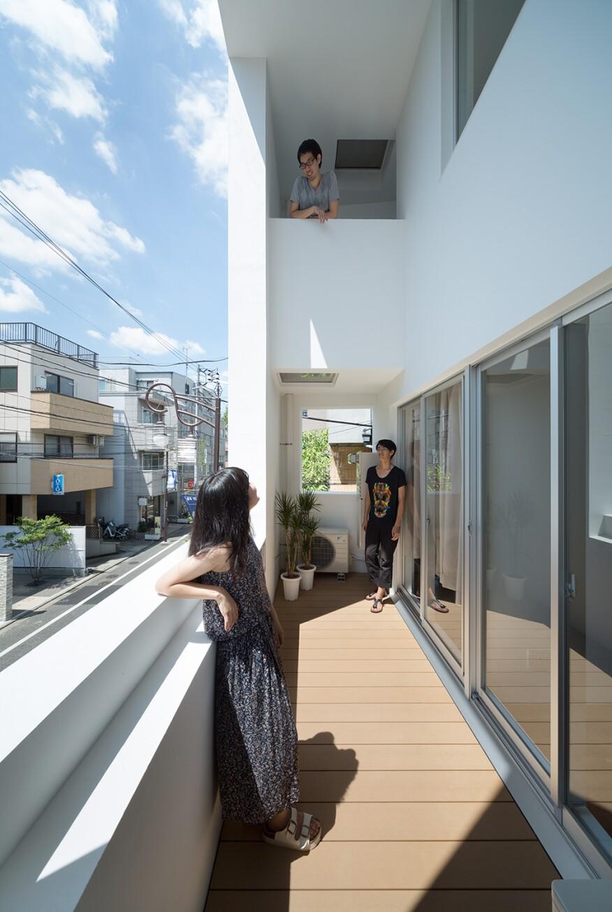 image via Tomoyuki Kurokawa Architects