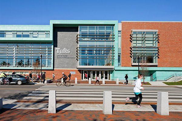 Tufts University, Steve Tisch Sports and Fitness Center in Medford, Massachusetts by DiMella Shaffer.