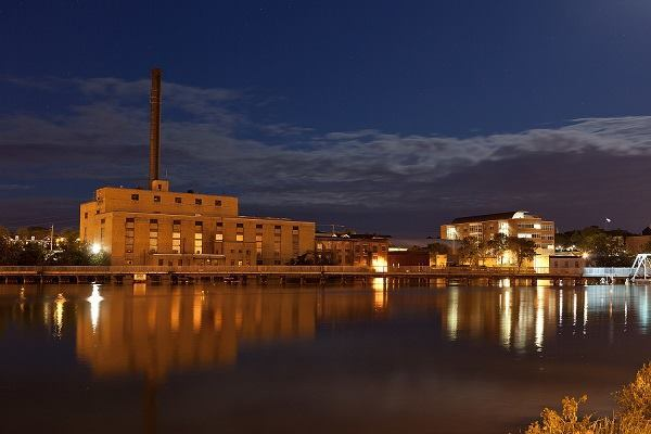 The Blackhawk Generating Station at Beloit College.