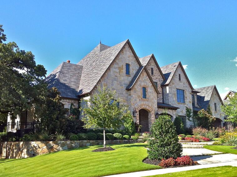 15 Builders Making Bank in America's Most Affluent Towns