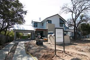 Building an Efficient House in a Hot Climate
