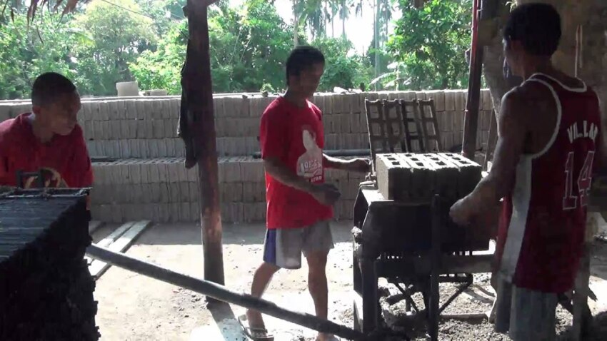 Concrete BLOCK making by LEVER AND MOULD, Philippines!