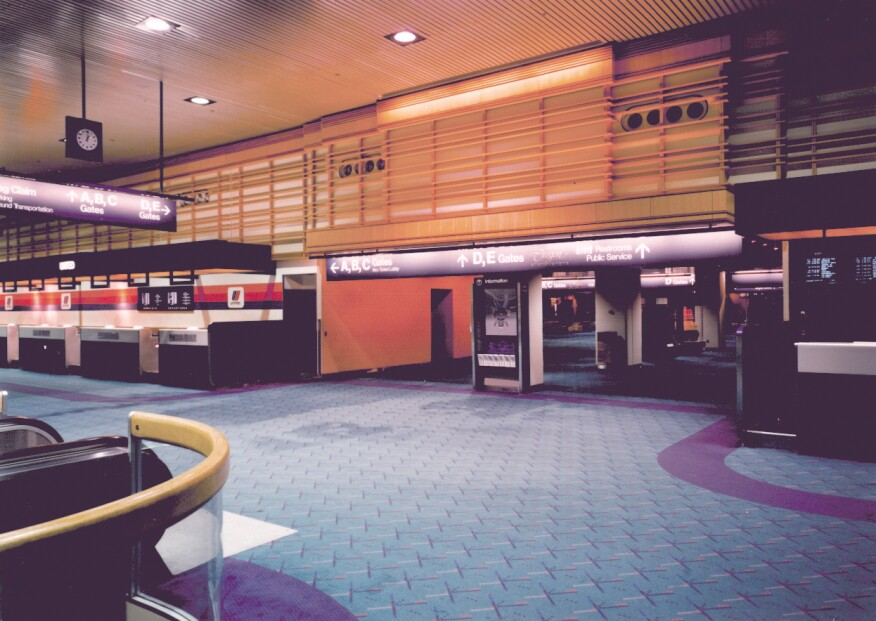 PDX Ticketing Lobby with PDX Carpet, 1990