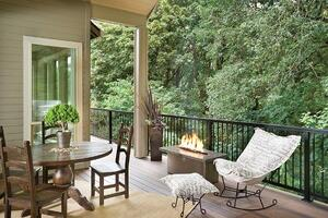 Getting the Flow of Indoor/Outdoor Living