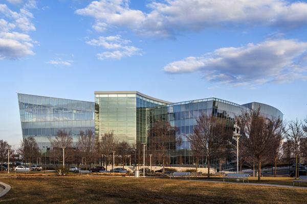 GlaxoSmithKline Offices at Five Crescent Drive, Navy Yard Corporate Center, Philadelphia, by Robert A. M. Stern Architects.
