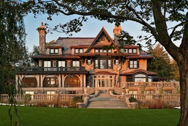 Grand Lakefront Home in Upstate New York