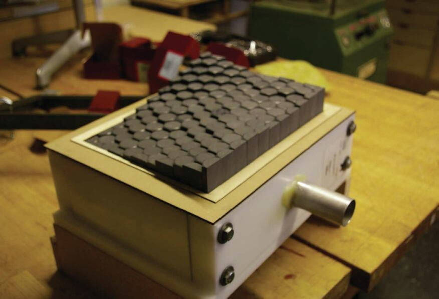 The final variable vacuum forming mechanism apparatus that the HouMinn Practice developed for making the Hexwall project tiles.
