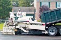Permit-free, 10-ton asphalt paver