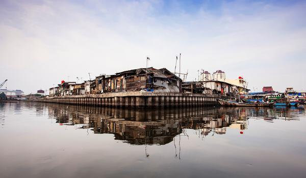 """Side of Sunda Kelapa."" Ujung Genteng, Indonesia. 2014 Sony World Photography Awards Youth Competition shortlist in the Environment category."