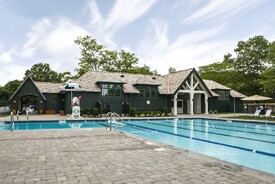 Winged Foot Golf Club: Pool Complex