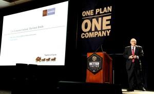 Mark Vitner, senior economist at Wells Fargo Securities, speaks at BMC's meeting in Las Vegas on Jan. 13, 2016