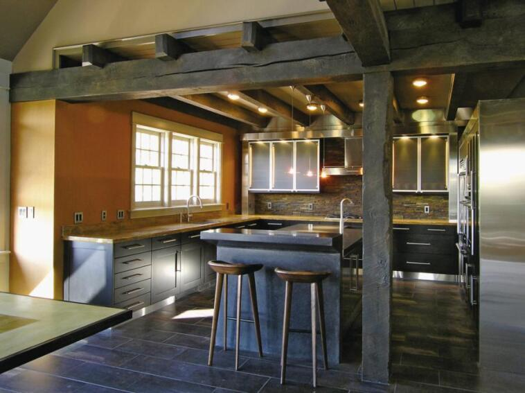 Fitting a Modern Kitchen Design Into a Rustic-Style Home