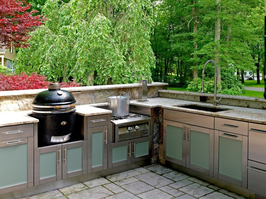 Hot products for outdoor kitchens builder magazine for B kitchen glass grill