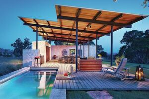 Outdoor Pool Pavilion in Texas