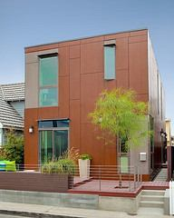 BUILDER's 2009 modular concept lands in southern California and earns a LEED Platinum rating.