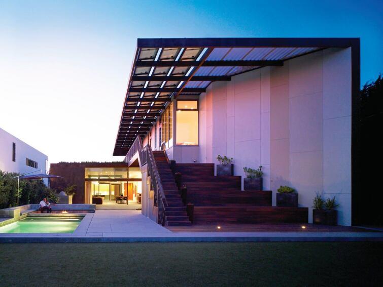 Solar Panels That Enhance a Roof's Design