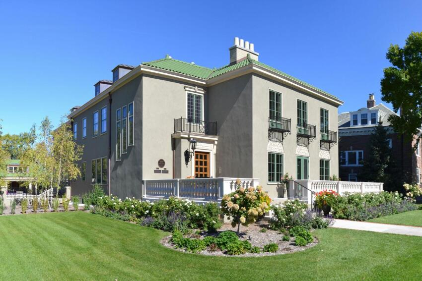 1924 Villa Restored to Its Former Splendor