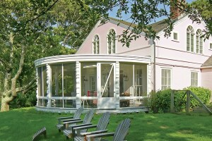 How to renovate a round porch