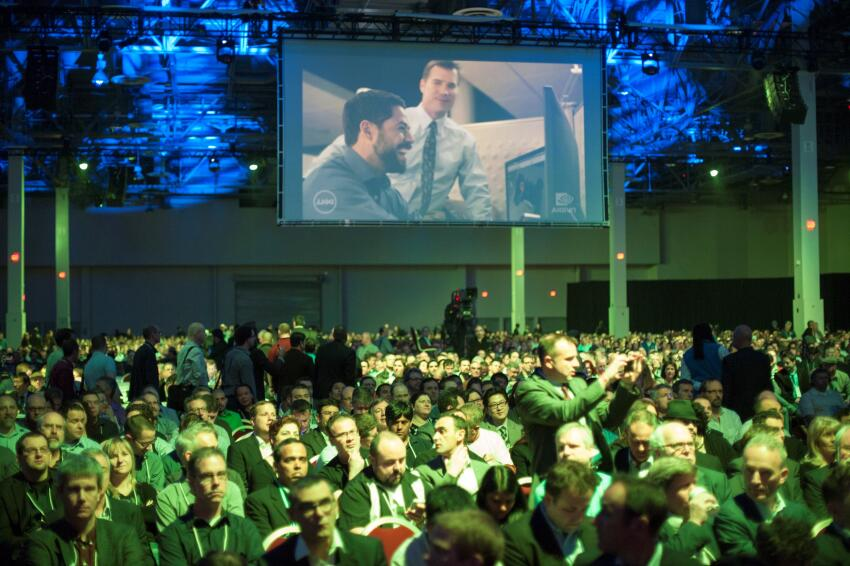 About 9,400 designers, engineers, programmers, and artists registered to attend Autodesk University 2013 in person.