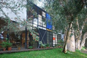 Eames House, also known as Case Study House No. 8, Pacific Palisades. Designed by Charles and Ray Eames, 1949.