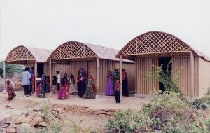 Paper Log House, India, 2001.