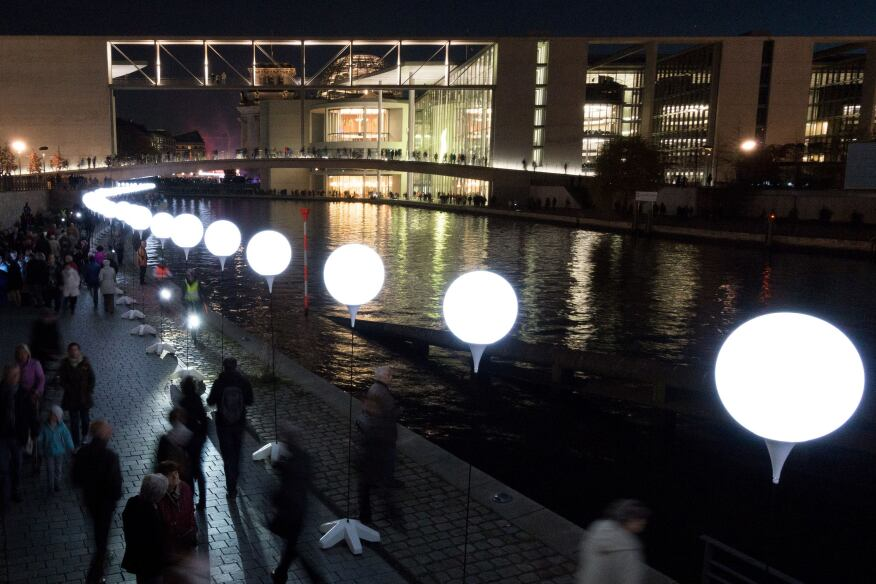 """The """"Lichtgrenze 2014"""" installation in Berlin on Nov. 8. The installation included 8,000 glowing white balloons in recognition of the 25th anniversary of the fall of the Berlin Wall."""