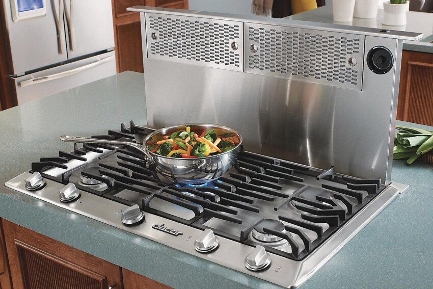 Standout Style: Dacor Distinctive 36-Inch Gas Cooktop