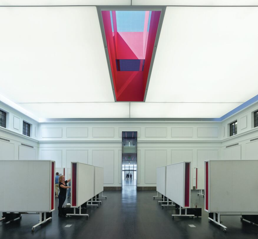 In The Gallery A Backlit Fabric Ceiling Is Equipped With 32W T8 Fixtures Which