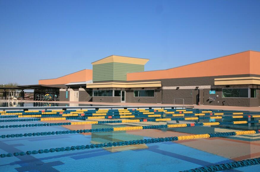 Skyline aquatic center architect magazine saemisch for Public pools in mesa az