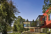 Riverfront Home Rises Above Challenging Site