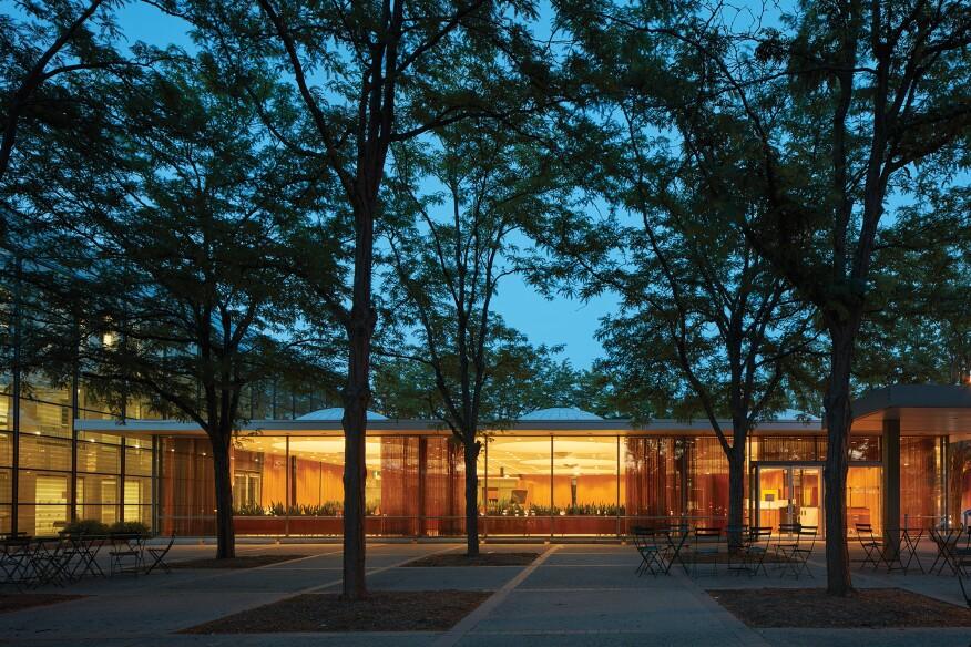 Eero Saarinen's Irwin Conference Center