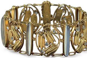 Wiener Werkstätte-inspired Jewelry, Gregory Crewdson, and more