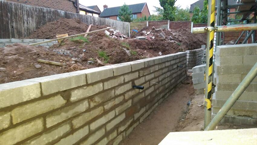 Retention Deficit? Concrete Wall Pros and Cons