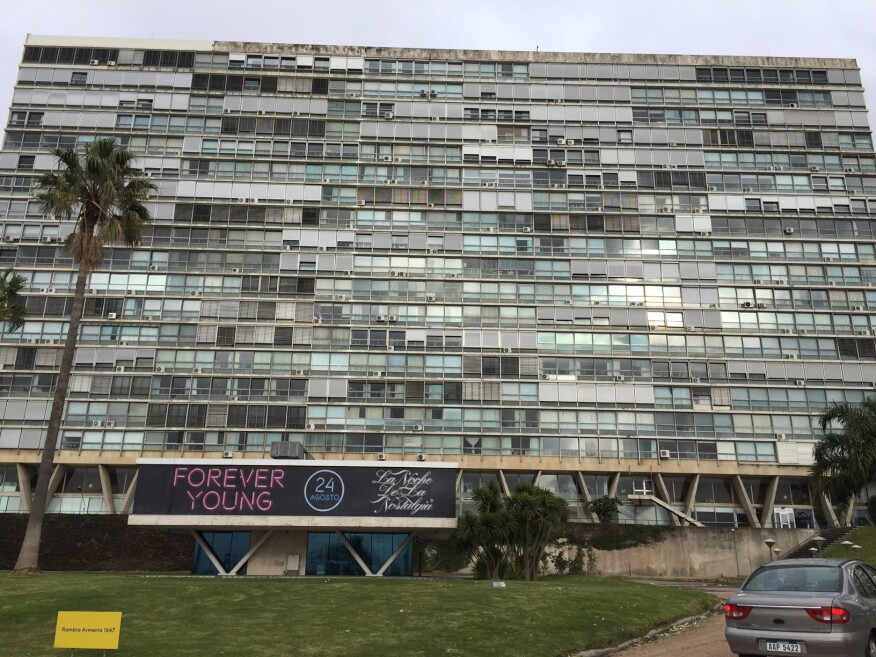 Edificio Panamericano (1964), by Raúl A. Sichero Bouret