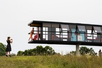 This Rotating and Tilting House Moves With Its Inhabitants