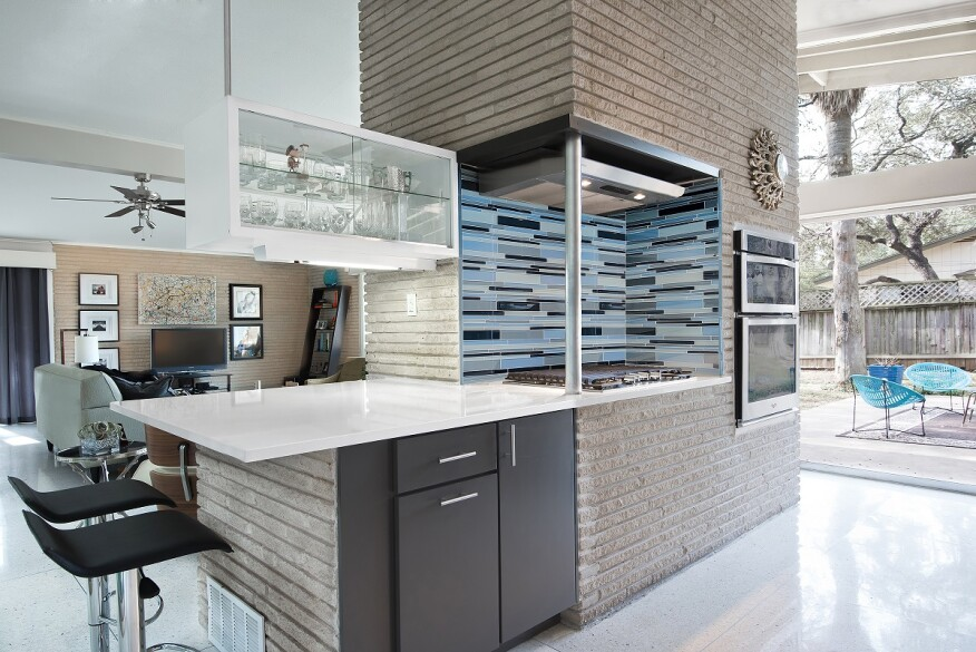 the owners of this 1960s home wanted to keep its mid century modern design elements while updating the space to meet their modern needs - Mid Century Modern Kitchen Update