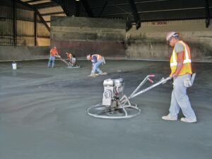 Iron aggregate flooring can be quickly installed on a tipping floor over a weekend, eliminating the need for lengthy work interruptions.