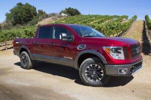 Nissan TITAN Half-Ton Pickup Truck