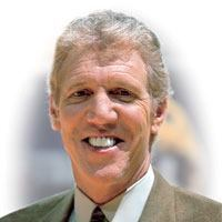 Hoops Legend Bill Walton Set to Tip Off Expo