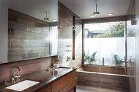 A Spacious Master Bath in a Compact Austin Infill